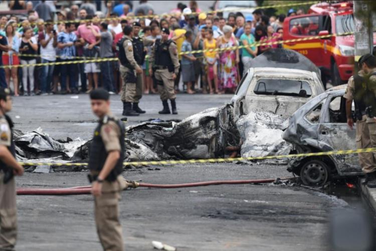 Três pessoas morreram em queda de avião em Belo Horizonte