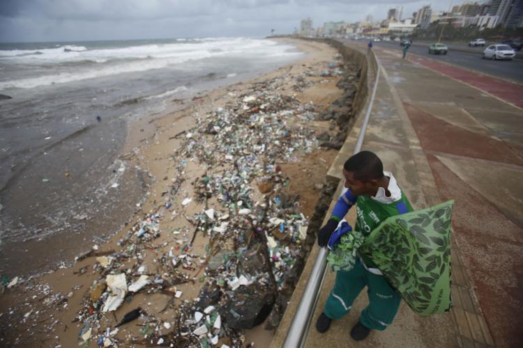 A Bahia começa a engatinhar no tratamento do lixo. Será que vai?