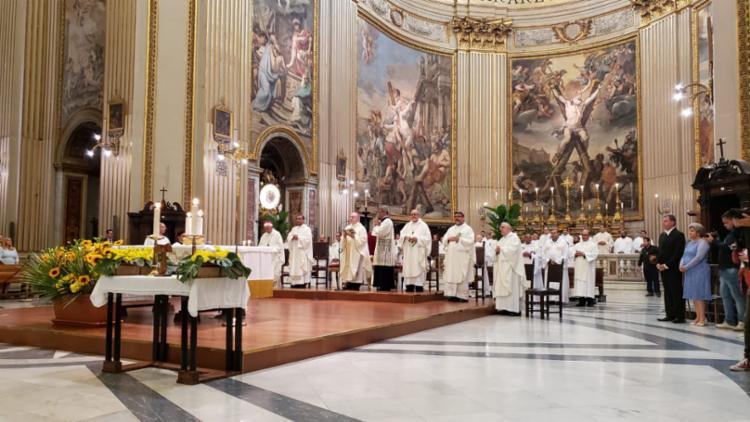 Dom Murilo Krieger realiza primeira missa em honra de Santa Dulce dos Pobres