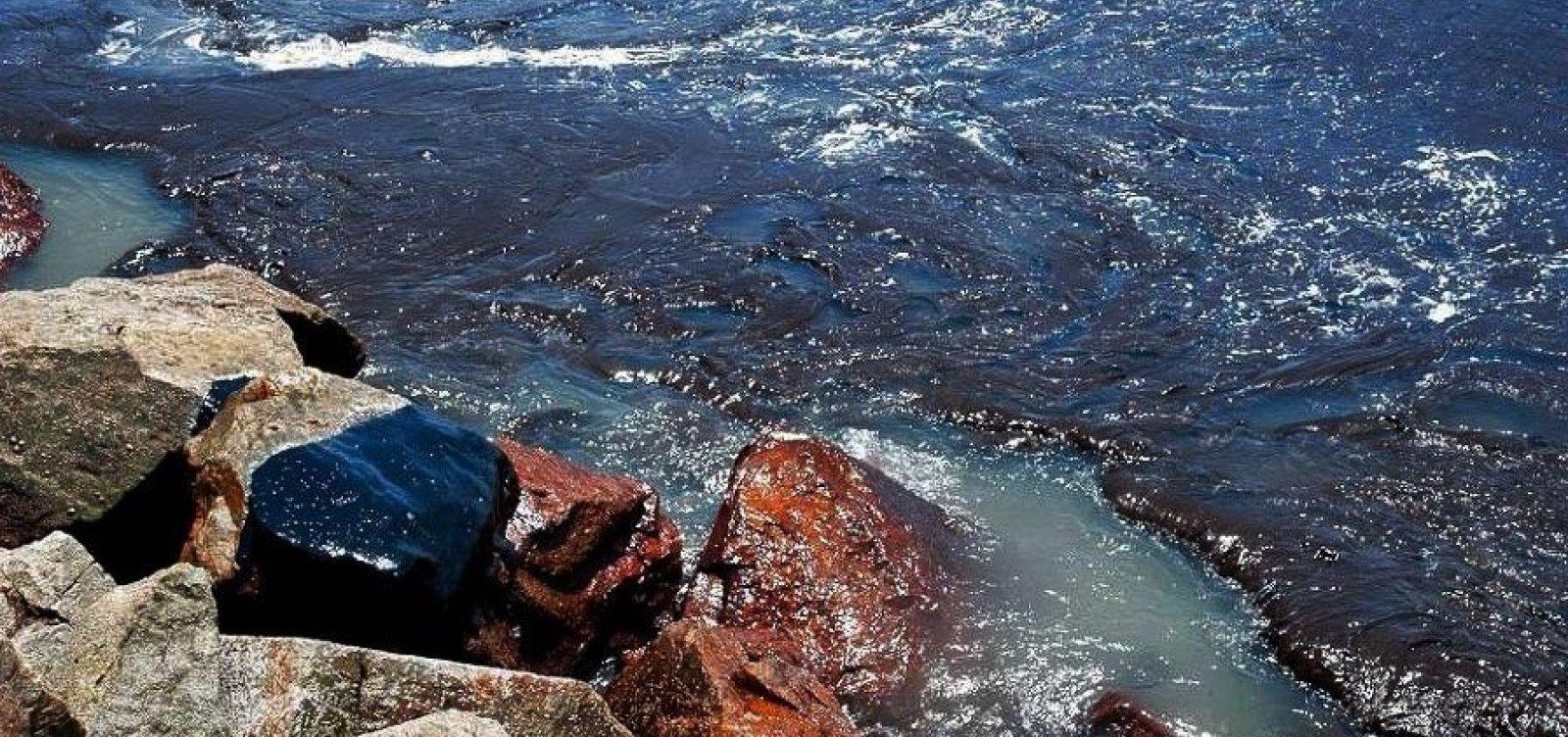 Número de praias atingidas por manchas de óleo chega a 132