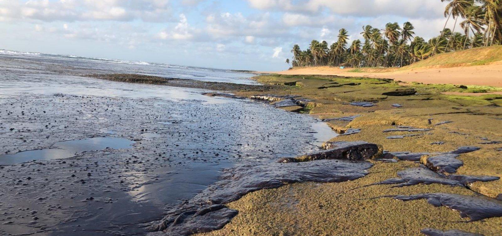 Ibama nega que mancha de 21 km² se aproxime à costa da Bahia