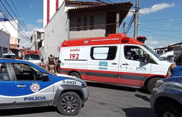 Homem é assassinado dentro de carro no bairro Ponto Central; filha de 11 anos fica ferida