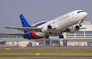 Avião perde contato com autoridades aéreas na Indonésia após decolagem