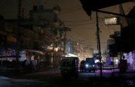 Queda de energia mergulha o Paquistão na escuridão