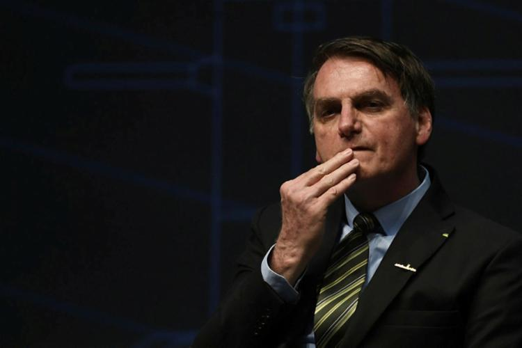 Bolsonaro cogita acionar Moro para que PF ouça porteiro no caso Marielle