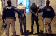Dupla é presa com bloqueadores de sinal em Alagoinhas