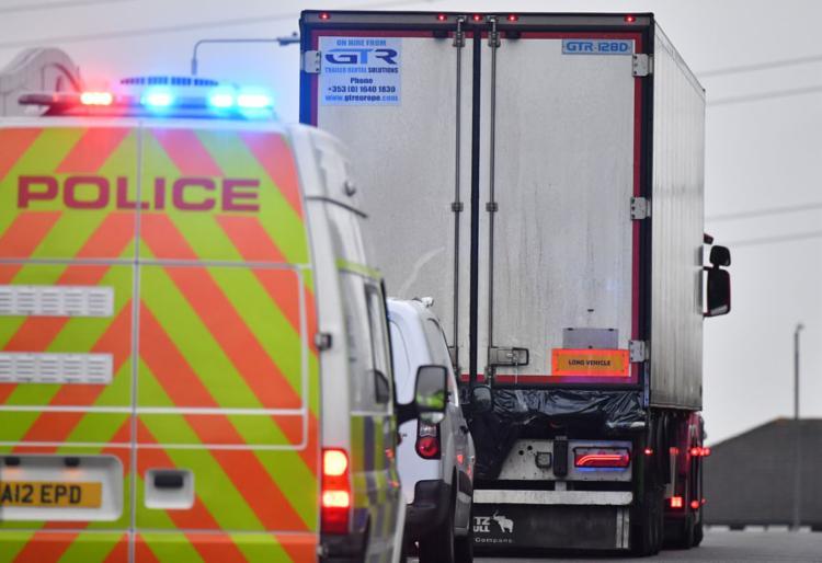 Mortos em caminhão encontrado no Reino Unido eram chineses