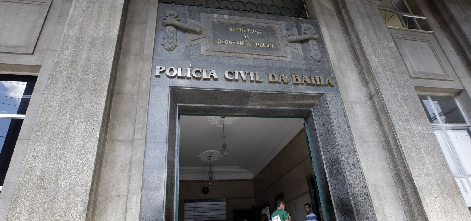 Operação prende policiais civis baianos após denúncias de tortura