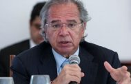 Guedes diz ser melhor manter Bolsa Família do que fazer 'loucura insustentável' para criar Renda Cidadã